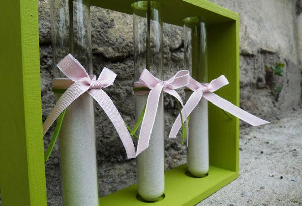 Tubes à essai fleuris
