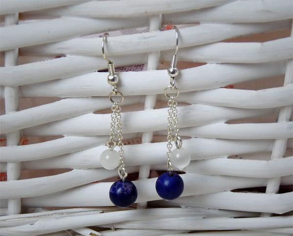 Boucles d'oreille avec des perles oeil de chat et des perles lapis lazuli