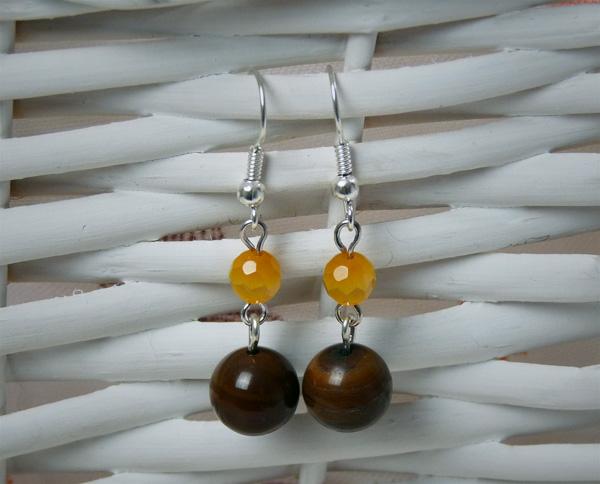 Boucles d'oreille avec des perles œil de chat facettées jaunes et des perles œil de tigre
