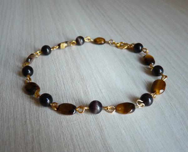 Bracelet avec des perles œil de chat marrons et des perles œil de tigre