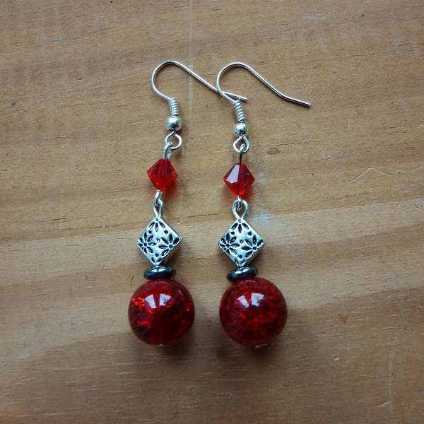 boucle-oreille-rouge