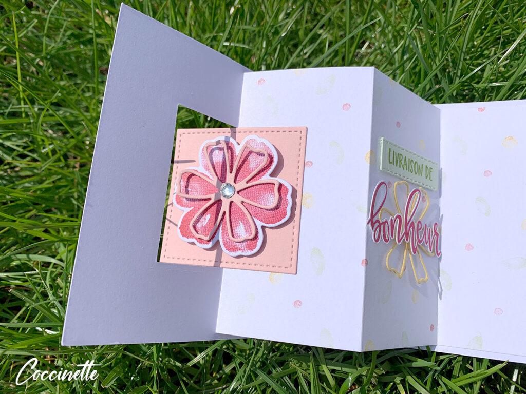 Carte intérieure avec la fleur